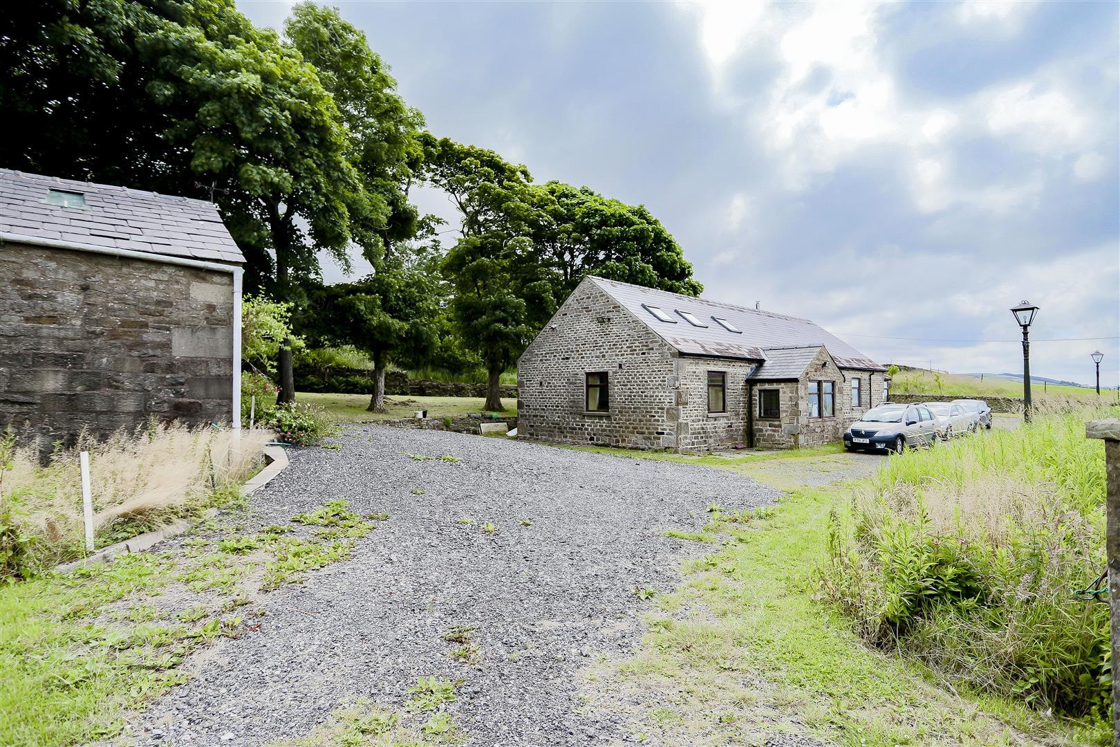 2 Bedroom Barn Conversion For Sale - 5.jpg